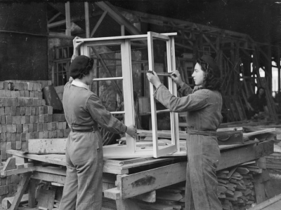 Women Carpenters, England 1941, © IWM (D 2701)